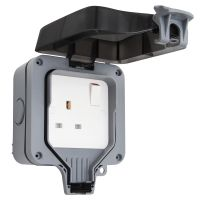 Single 13A 1-Gang Weatherproof Outdoor Switched Socket IP66 Rated